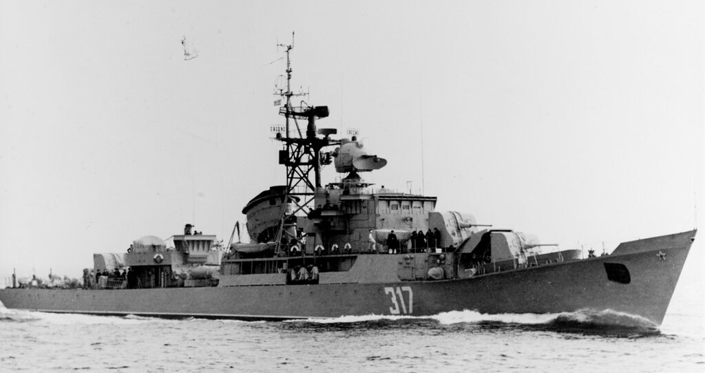 Soviet RIGA class ocean escort, photographed during 1960 in the Baltic.