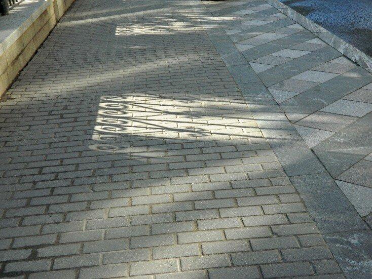 Тень ограды
