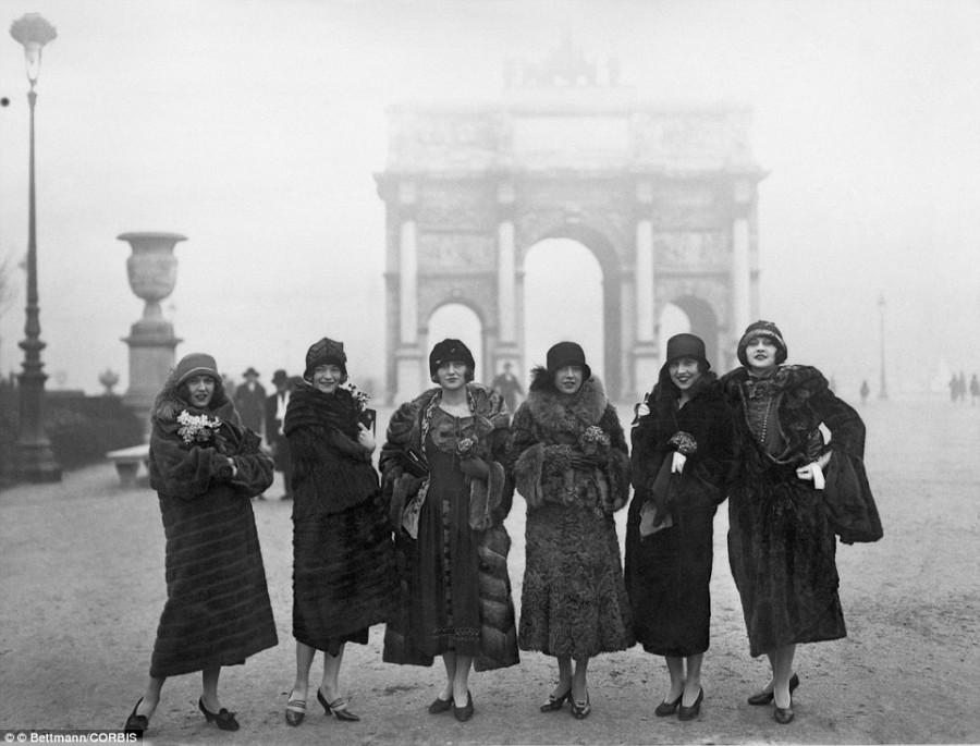 21. Одна из трупп, выступавших в «Мулен-Руж», 4 декабря 1924 года.