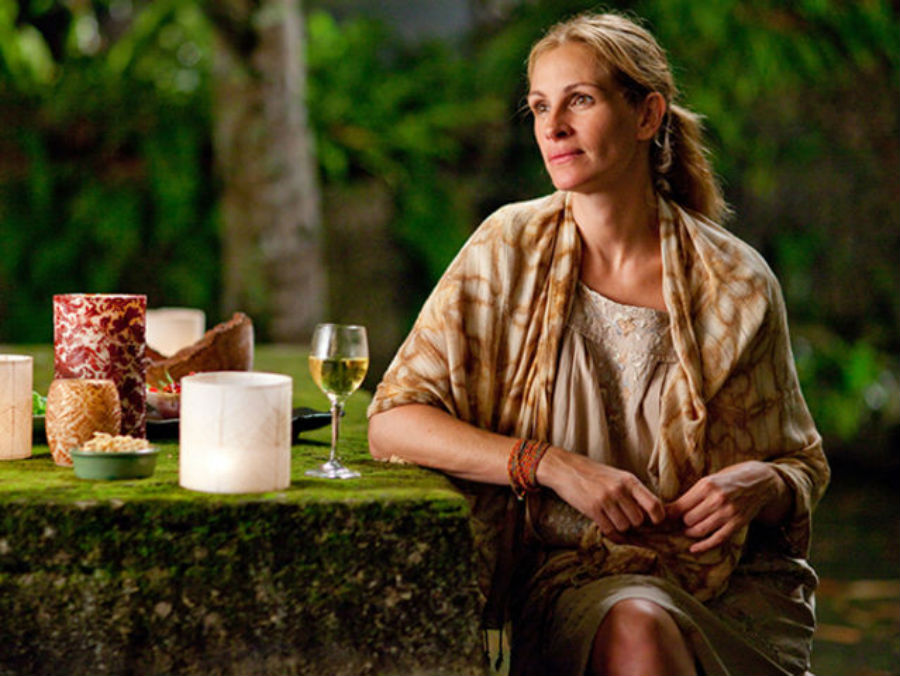 И снова Джулия Робертс, на этот раз в роли Элизабет Гилберт, американской писательницы, по автобиогр