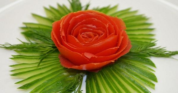Эта техника, родом из Японии, называется карвинг—художественная резьбапо овощам. В древней Японии