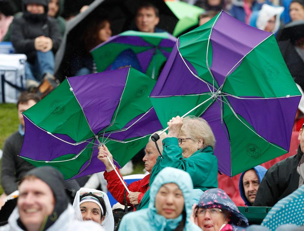 11. Словачка Доминика Цибулкова победила соперницу и упала на корт. (Фото Paul Childs | Reuters