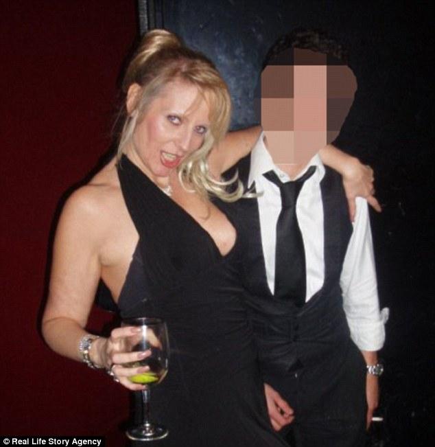 Джуни спешит заверить, что она не спала со всеми 250 парнями, с которыми встречалась. «С кем-то я пи