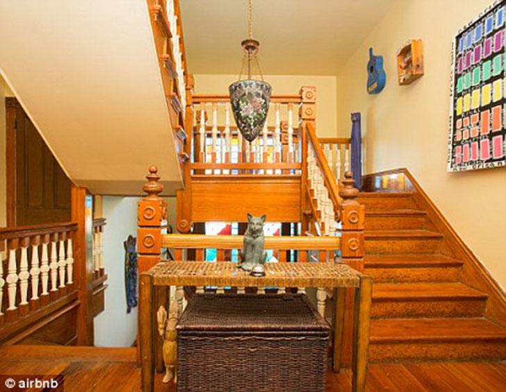 Рейтинг страха по шкале Airbnb — 4/5.