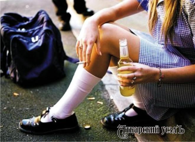 Ученые назвали причину зависимости школьников откурения иалкоголя