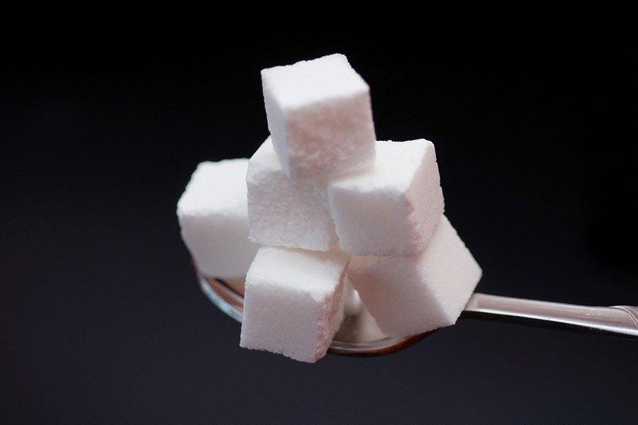 Названа ежедневная норма потребления сахара детьми
