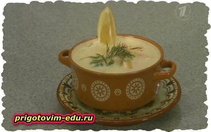 Сливочный суп с лососем.