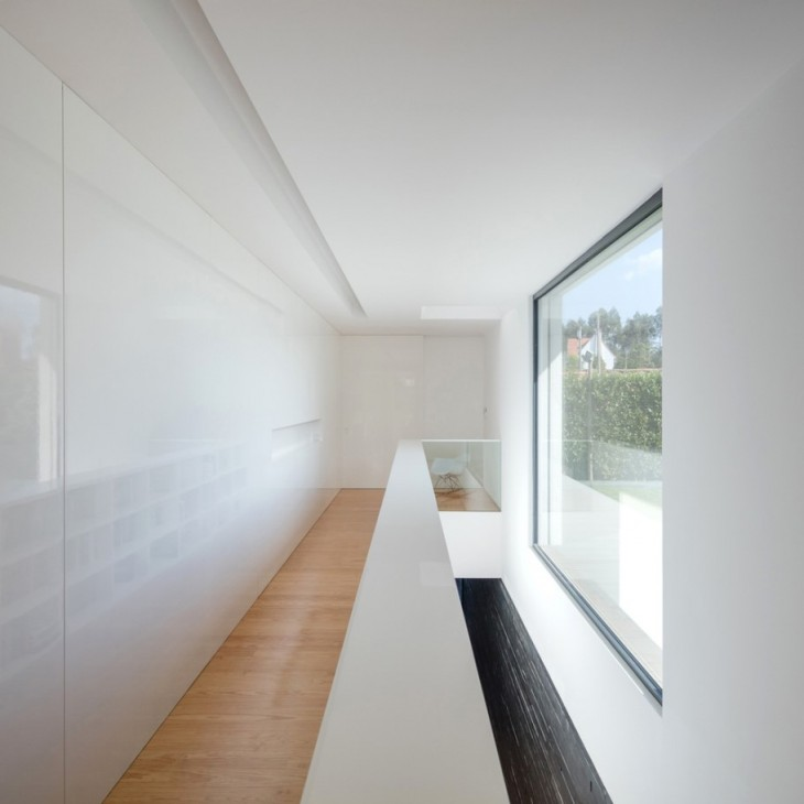 Vila do Conde House by Raulino Silva Arquitecto
