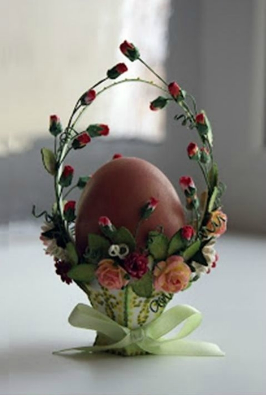 Пасхальный декор из яиц