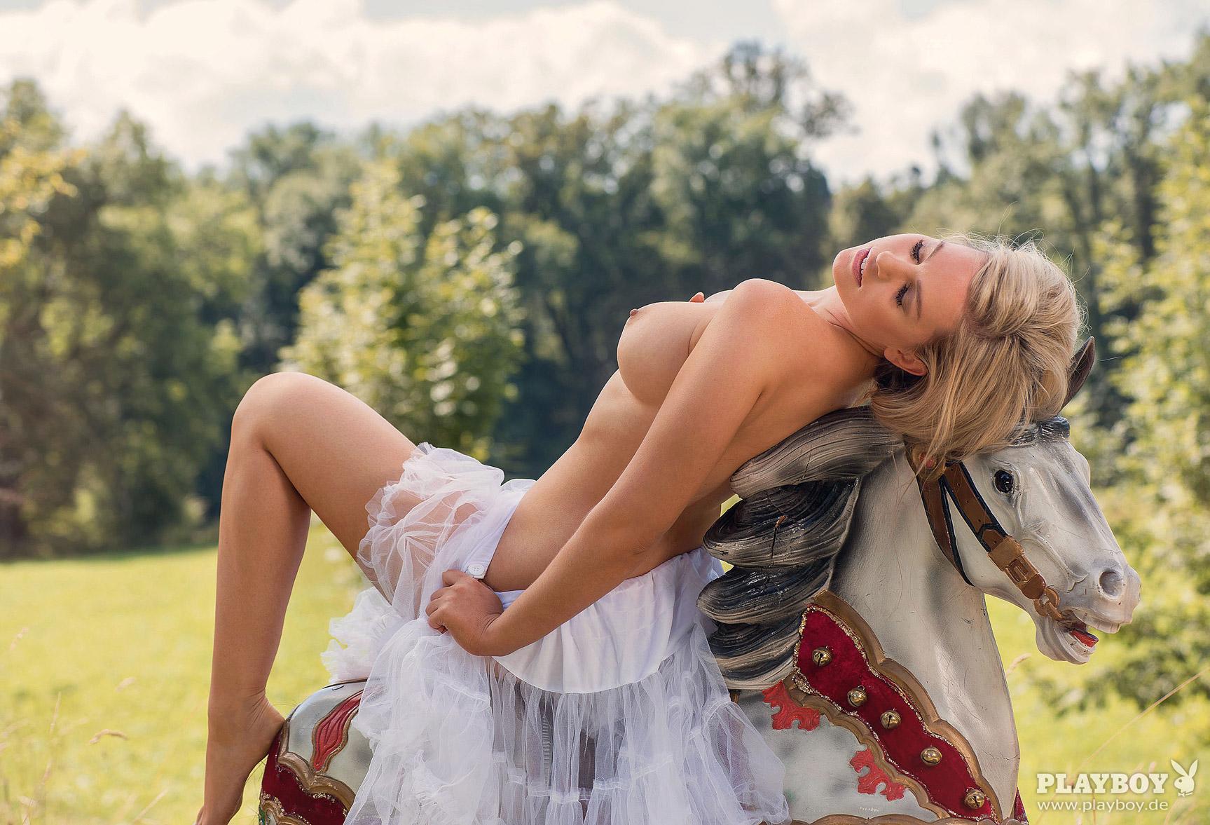 Девушка месяца Кати Керн / Kathie Kern - Playboy Germany october 2016 playmate / outtake