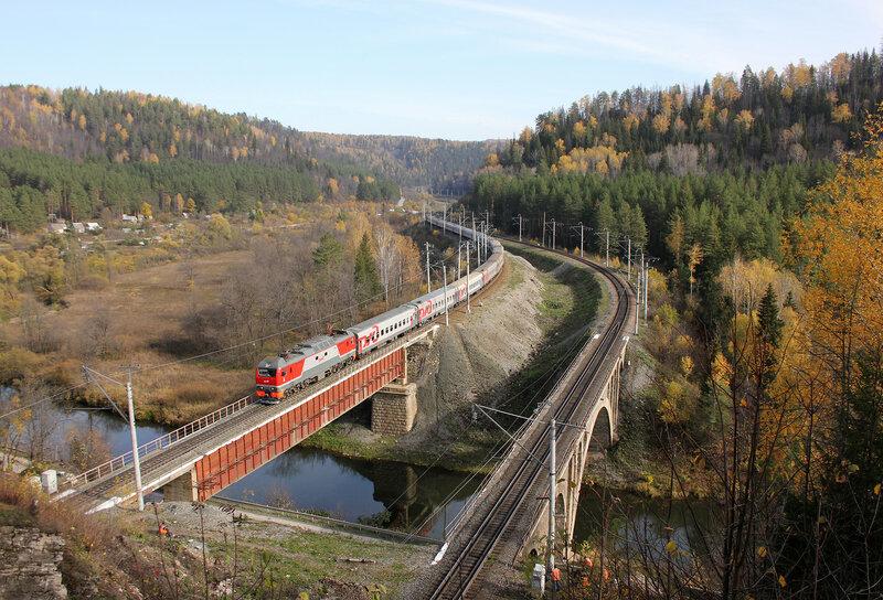 ЭП2К-291 с ПДСом Новокузнецк - Кисловодск на мосту через реку Сим на перегоне Симская - Биянка