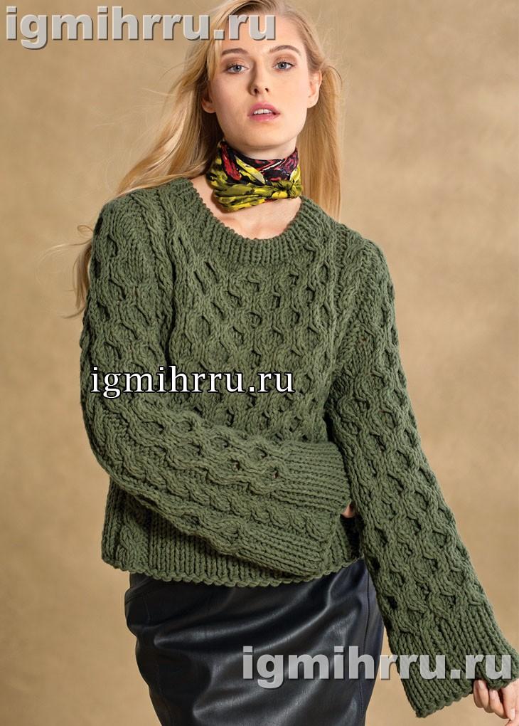 Оливковый пуловер из толстой пряжи, с косами и сотами. Вязание спицами