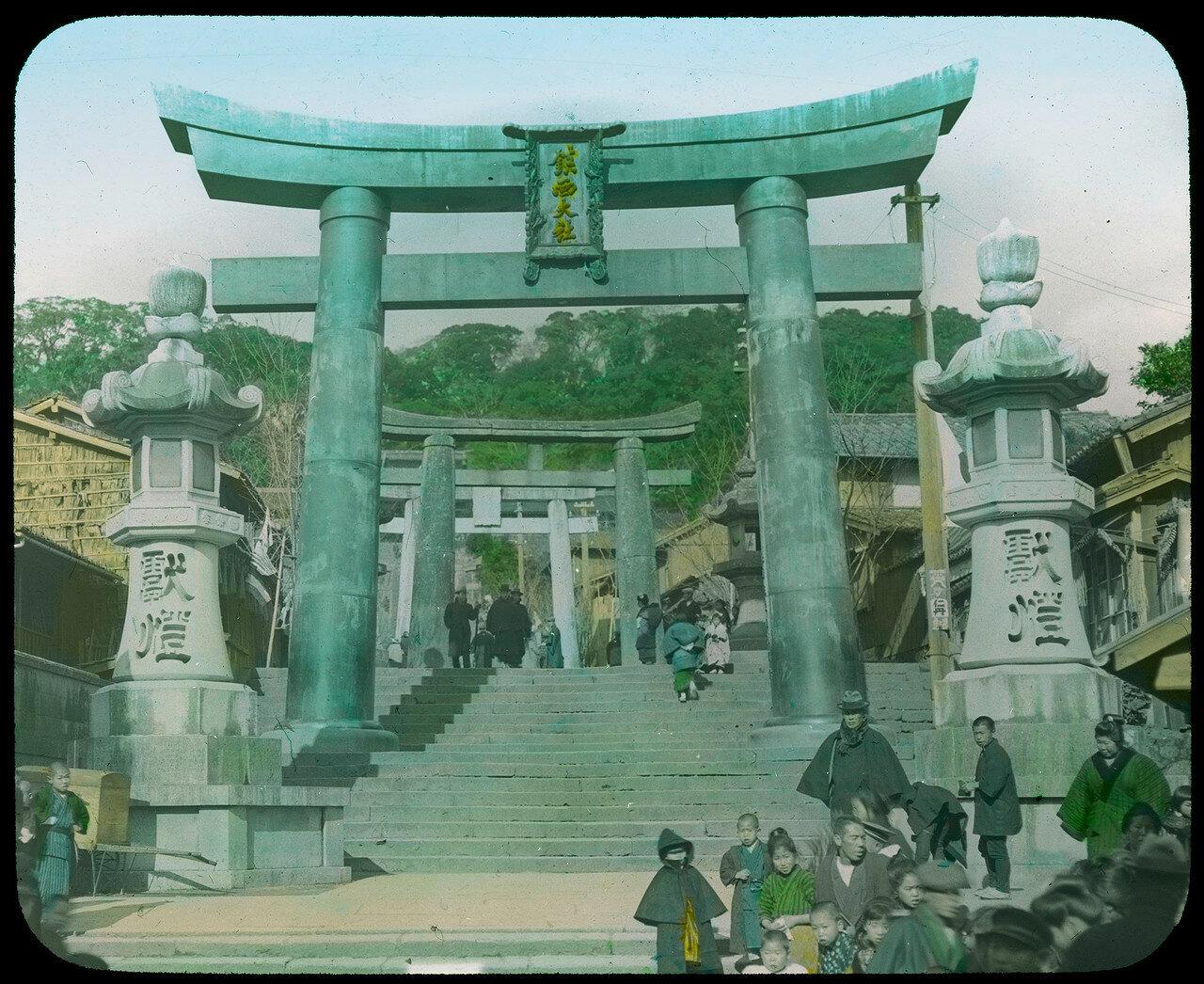 Нагасаки. Сува-дзиндзя. Лестница с ториями