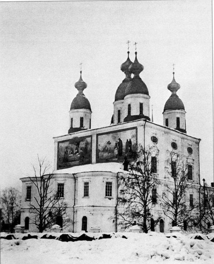 Кафедральный собор зимой