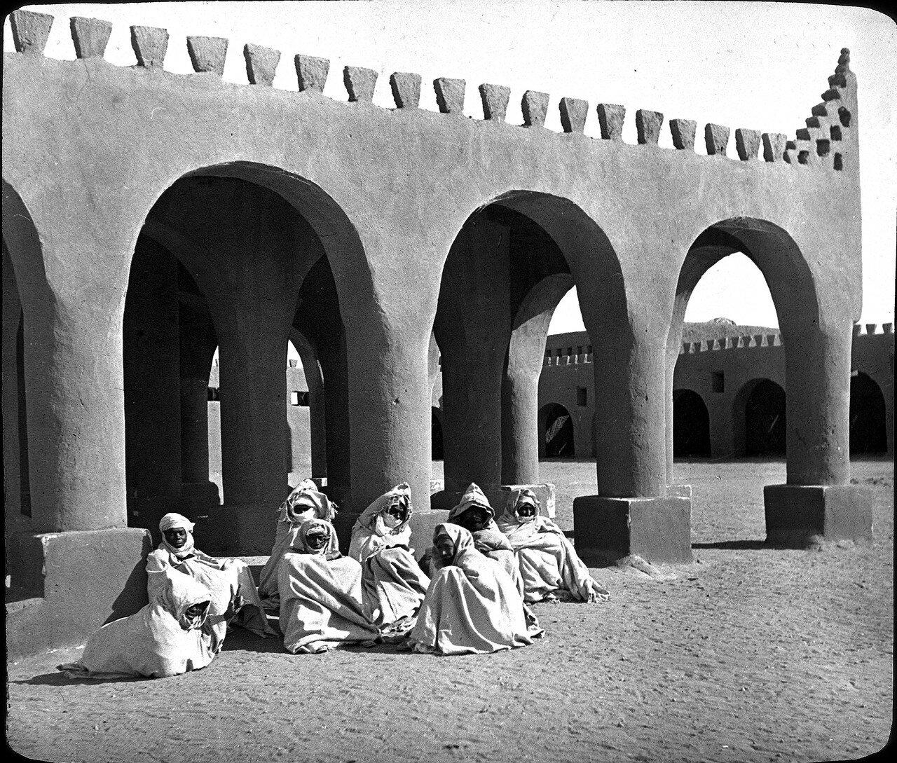 Алжир. Ин-Салах. Рыночная площадь