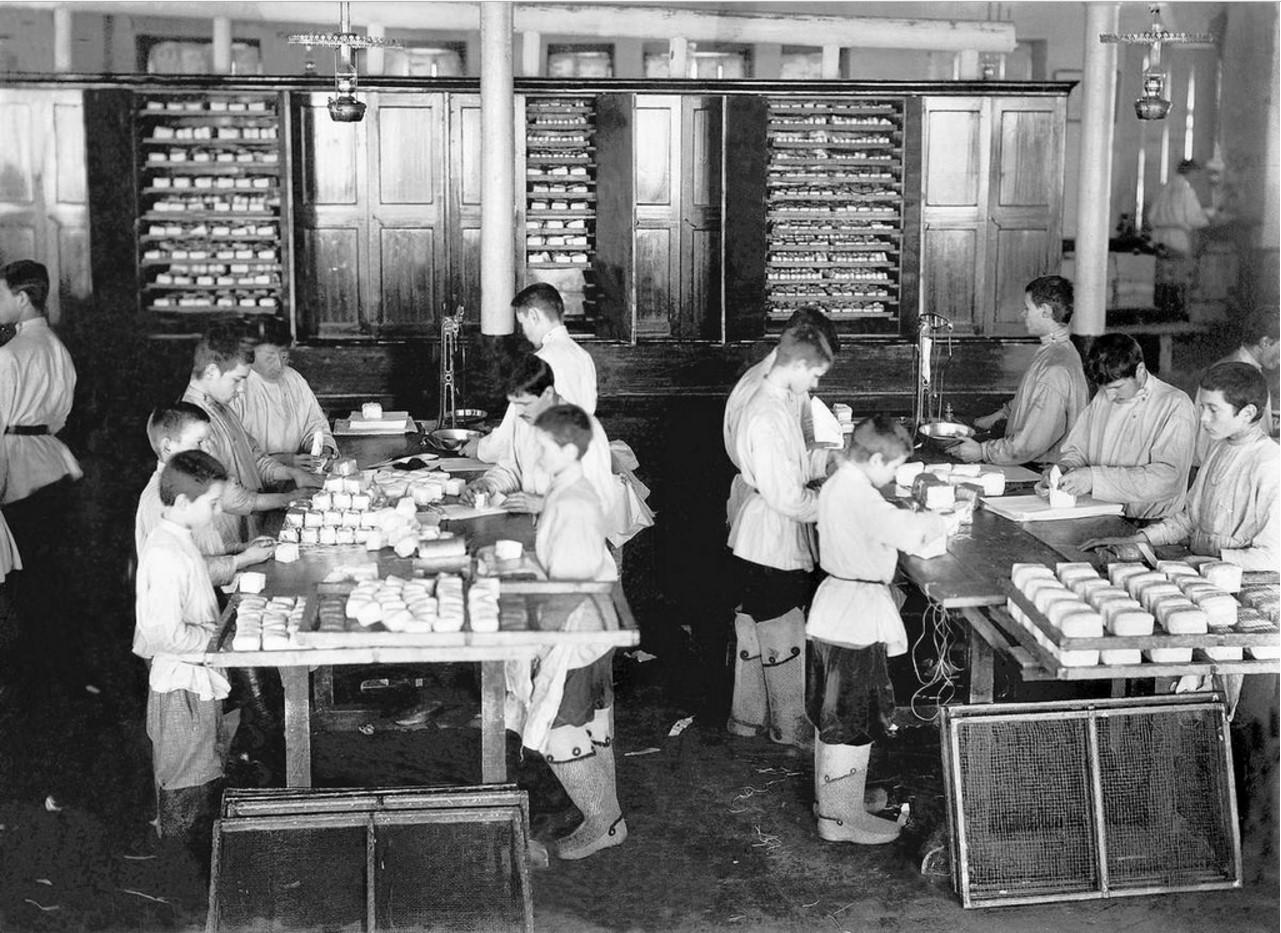 Использование детского труда на чаеразвеске Высоцкого