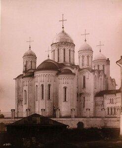 00. Вид восточного фасада Успенского собора после проведения реставрации