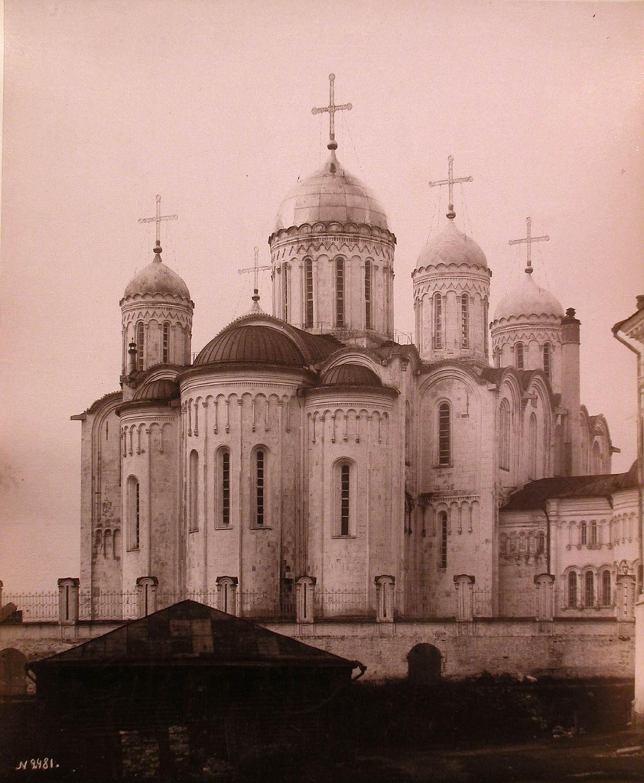 Вид восточного фасада Успенского собора после проведения реставрации