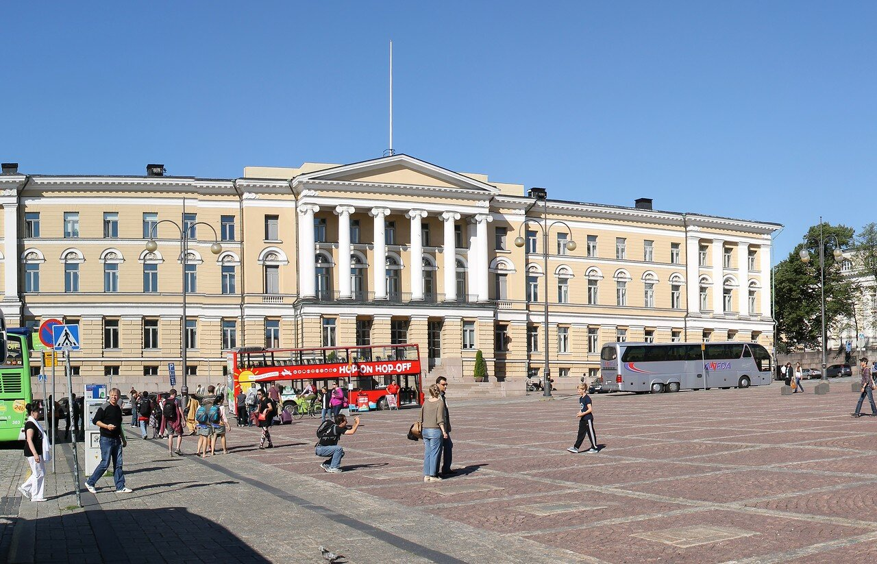 Хельсинки. Здание Университета (Helsingin Yliopisto)