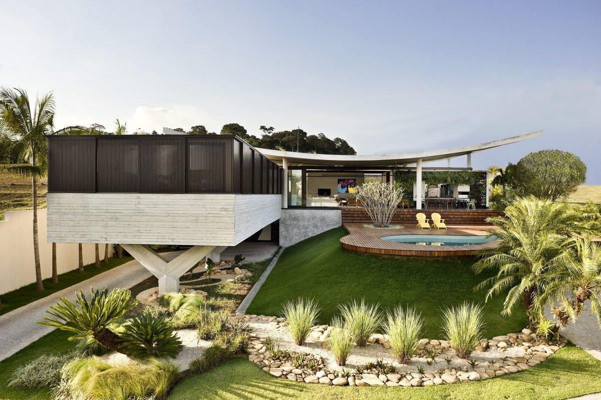 Взлетающий дом в Бразилии