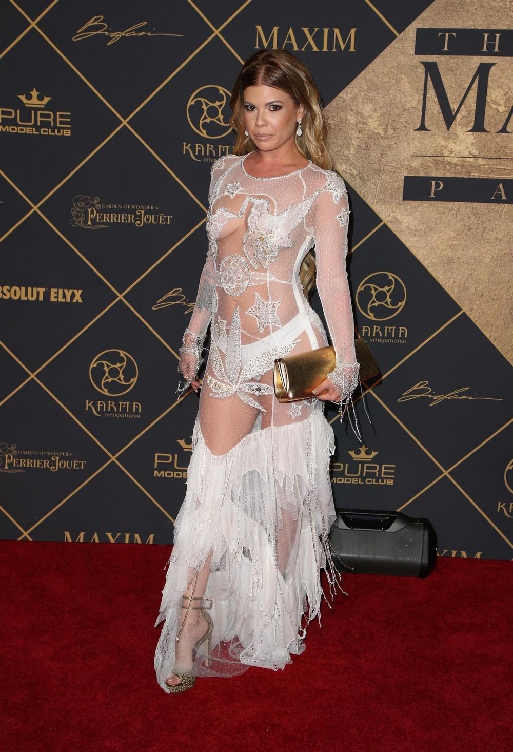 Челси Шанель Дадли в просвечивающем платье