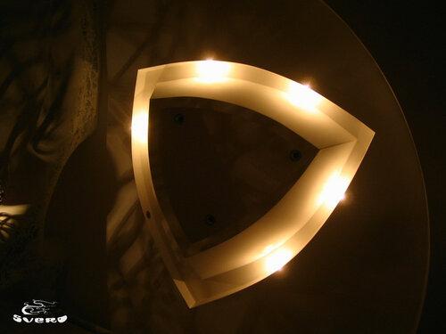 026. полочная инсталляция, светильник из гипсокартона