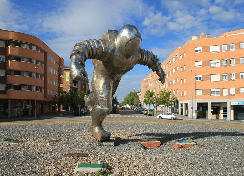 Monument 'Astronaut' (El Asronauta), Valdemoro, Spain