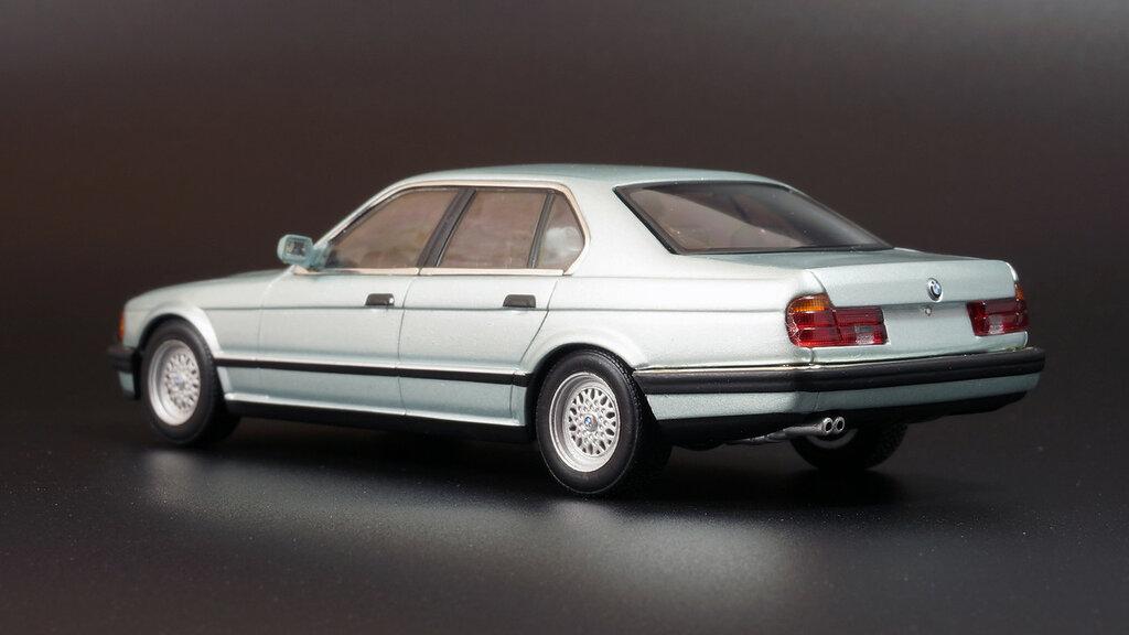 BMW_E32_07.jpg