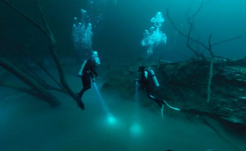 На дне океанов существуют и другие подводные реки, а точнее, случаи так называемого «холодного п