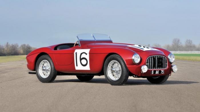 1965 Alpine-Renault A110 – €140 тысяч (прогноз) Не все вспомнят и поймут, ага. Как бы то ни было, A1