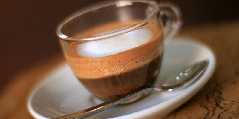 Напиток для тех, кто обожает сладкое. По желанию можно добавлять в него сливки. Ингредиенты (на