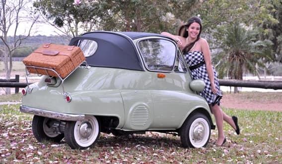 Corbin Sparrow Компания Corbin Motors начала производство этого трехколесного электромобиля в 1999 г