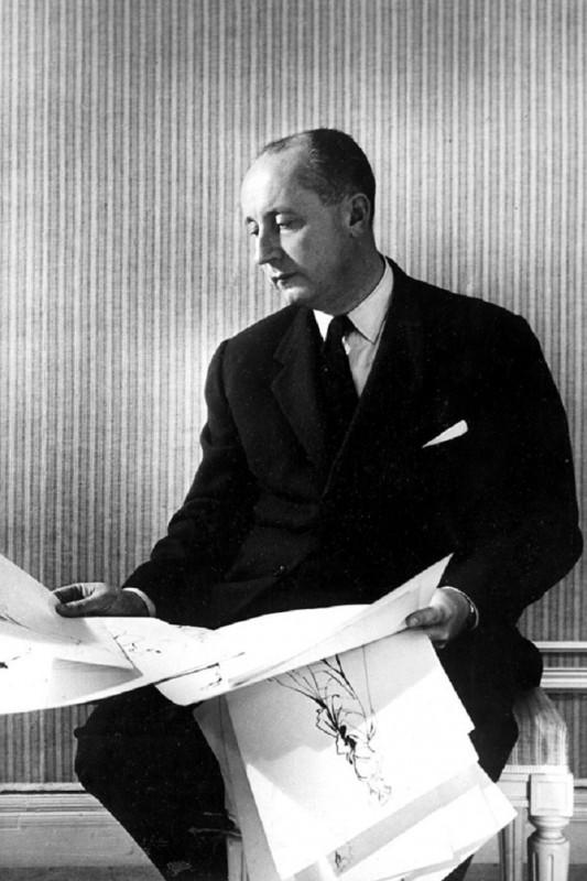 Диор стал первым кутюрье, запатентовавшим свой дизайн Сегодня патент — обычное дело среди диз