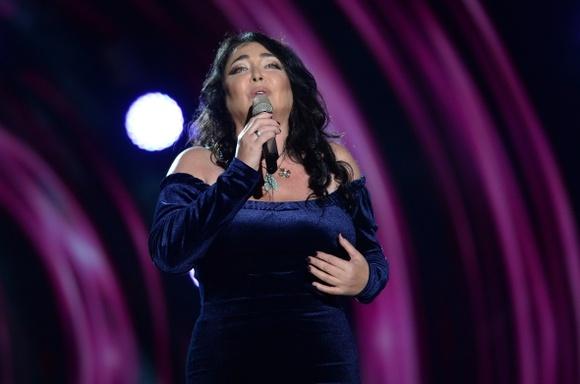 Эстрадная певица Лолита выступила встоличной подземке врамках проекта «Музыка вметро»