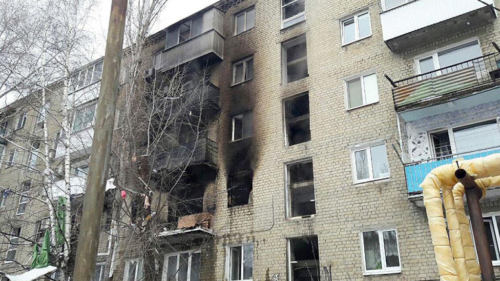 Путин поручил Медведеву помогать Саратову, где произошел взрыв газа