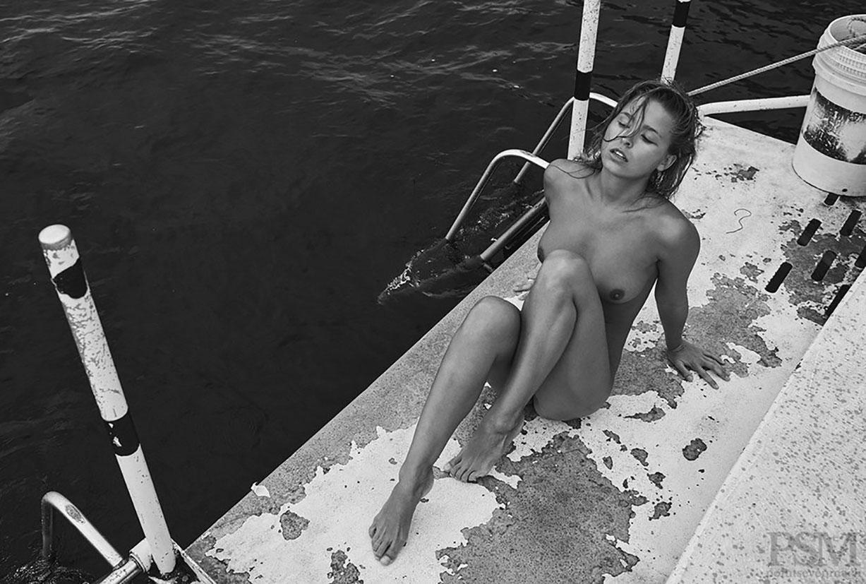 голышом на яхте - Мариса Папен / Marisa Papen by Stefan Rappo - PointSevenMach Journal