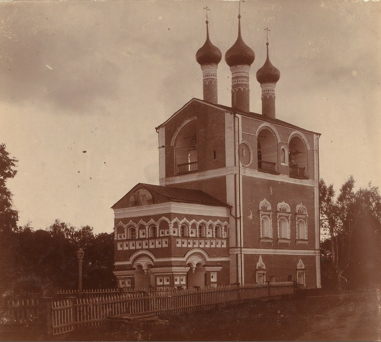 Колокольня Борисоглебского монастыря с северо-запада