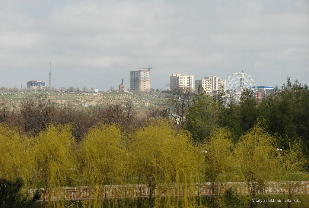 Обзор на север от дендропарка Шымкента