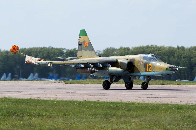 Сухой Су-25 (12 желтый) ВВС Казахстана 0450_D805801