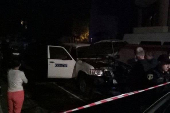 В Ивано-Франковске неизвестные подожгли автомобиль ОБСЕ (видео)