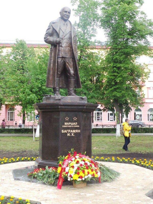 Памятники в орле и цены недорогие гранитные памятники шымкент