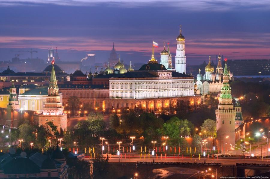 6. Фрагмент Кремля с Государственным Кремлевским дворцом и ансамблем колокольни Ивана Великого, Моск