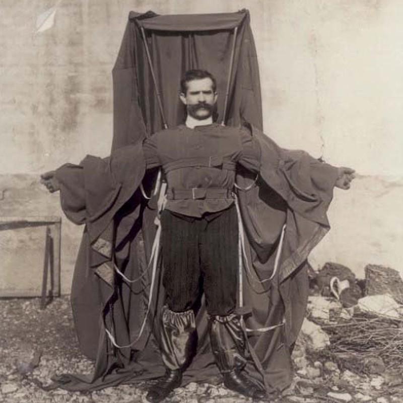 9. В начале 20-го века французский портной Франц Райхельт придумал парашют, который можно было носит