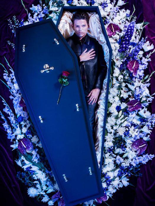 Фотосессия для новой коллекции Over My Dead Body. К утверждает на своем сайте компания Lyst,