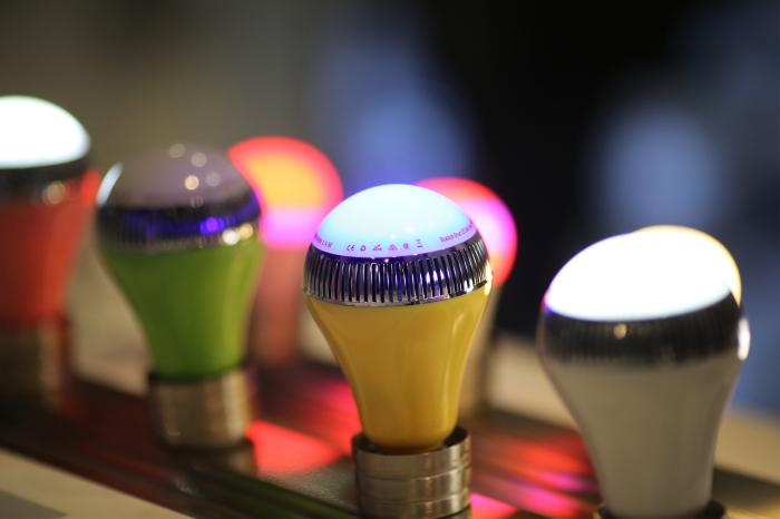 Музыкальная лампочка Vivitar Speaker Smart Bulb. Vivitar Speaker Smart Bulb –