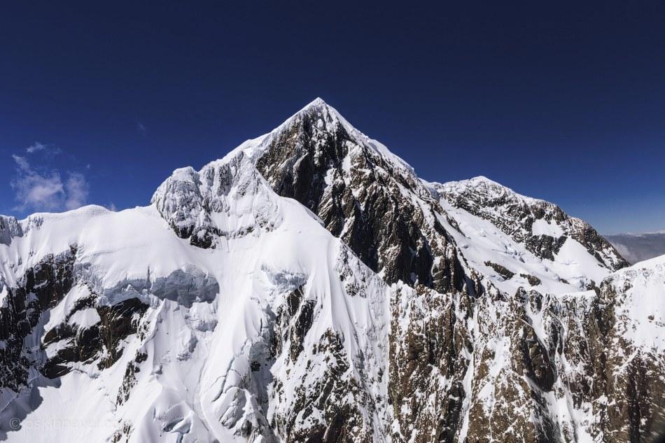Все это — Южные Альпы — общее название горной цепи, протянувшейся вдоль западного побережья Ост