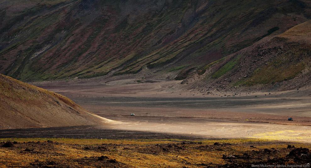 14. Здесь застывшая лава и вулканический пепел образуют поистине неземные пейзажи. Это ощущение