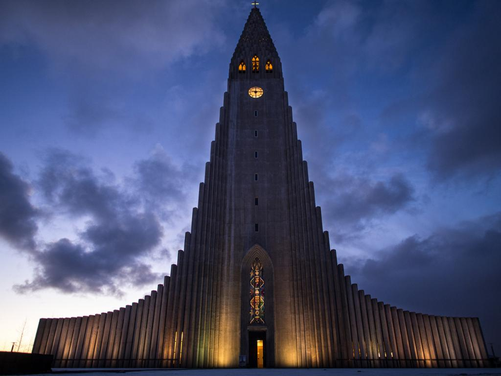 Исландия. Рейкьявик. Хадльгримскиркья. (Daniel Williams)