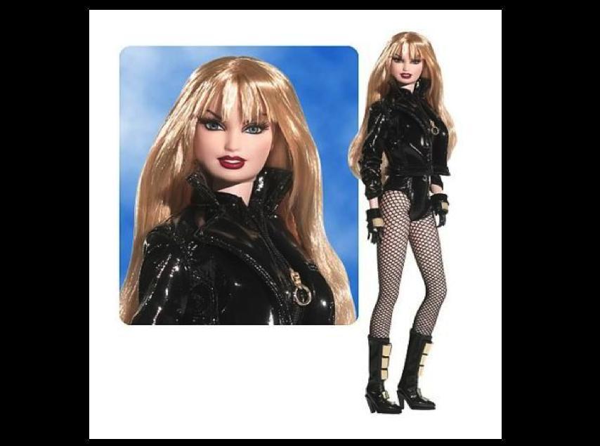 2. Барби Черная канарейка Эта Барби задумывалась как близнец персонажа комиксов «DC Comics» под имен