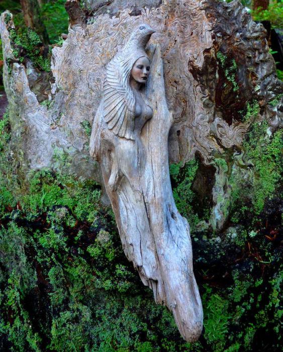 Скульптуры из коряг